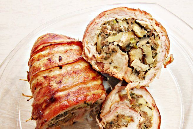 Muschi de porc umplut cu ciuperci si invelit in bacon