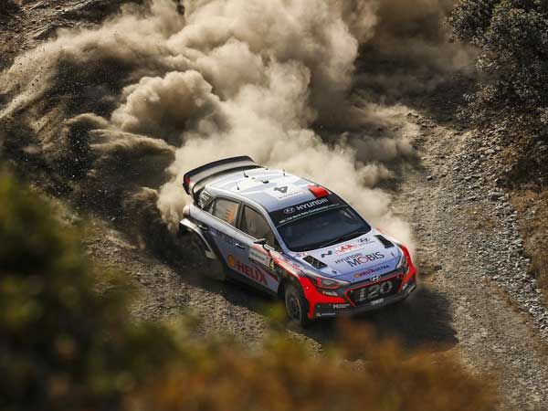 DriveSpark - Hyundai Motorsport Conquers 2016 WRC Rally Italia With Thierry Neuville