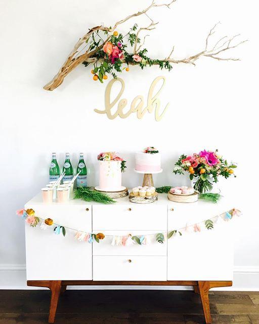 * * * 💐 Floral garden themed party for my daughter's 1st Birthday💐 * 先月の娘の1歳のバースデーパーティーは春らしく フラワーガーデンがテーマ🌷 お花とケーキを主役にテーブルはシンプルに✨ 今までの息子の男の子パーティーから一変、女の子のは色使いも可愛いく出来て、スタイリングしててウキウキ💕でした!😉 * #THEPARTYSHOP #partyshop #partysupplies #partygoods #eventstyling #partyplanning #birthdays #firstbirthday #babyshower #weddings #girlsbirthdays #bridalshower #floralgarden #floralarrangement #merimeri #mywestelm #ザパーティーショップ #パーティーショップ #パーティーグッズ #ファーストバースデー #キッズバースデー #ガールズパーティー #女の子パーティー #ウェディング #...