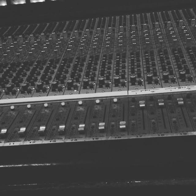 Se det här filmklippet av @robinpecknold på Instagram • 601 gilla-markeringar