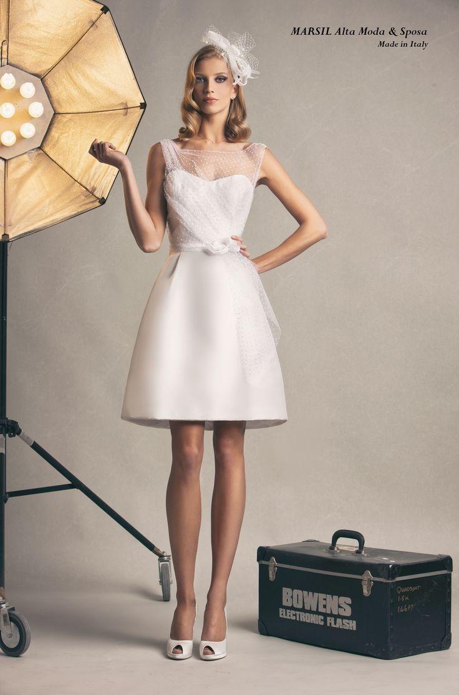 Jackleine,abito da sposa #corto in mikado in seta, con raffinato drappeggio in tulle. #marsilmodasposa #abitosposacorto #weddingdress #madeinitaly