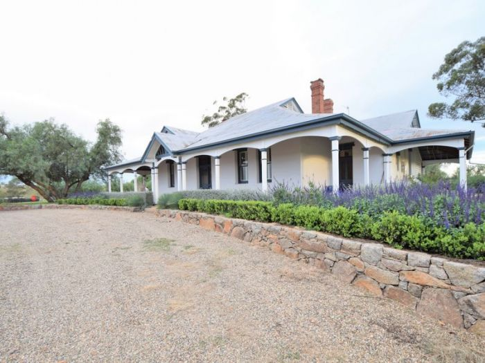 525 Old Forbes Rd Young House Sold - LJ Hooker Young