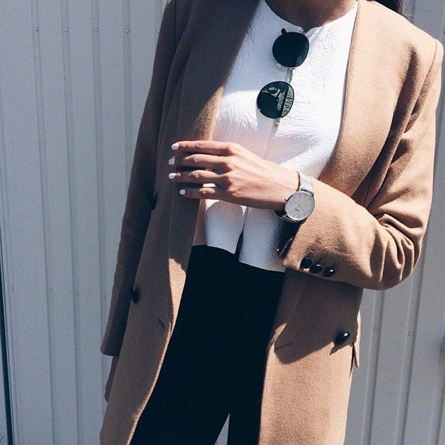 A classy and elegant style by @thefashionsauce #CLUSE #watches