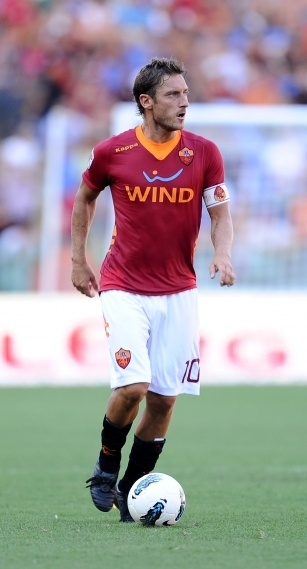 Francesco Totti, the Gladiator, the captain, a true Romanista. I've always had great respect for the players who are loyal to their clubs til the end. Totti is one of the most legendary players of our era, the kind of a player you see once in a lifetime.