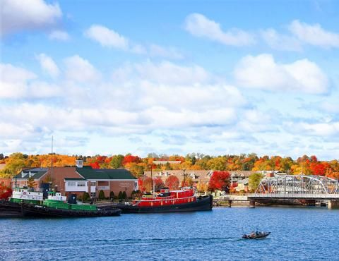 Sturgeon Bay provides a memorable start to the lake views, forest drives, art galleries and orchards that have made Door County, Wisconsin, famous.