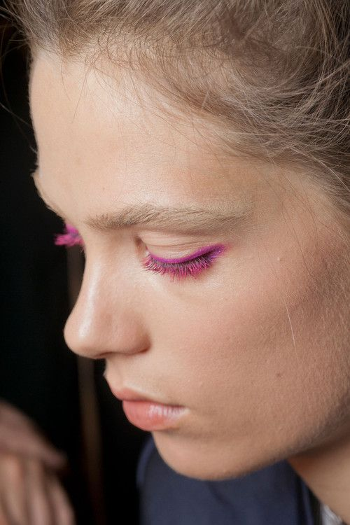 Pink eyeliner + mascara
