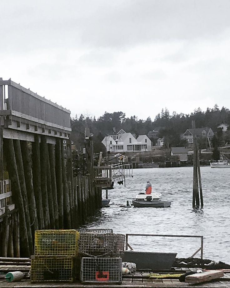 #bassharbor #maine #newengland #ocean #water #winter #boat #traps #lobster #town #scenic #igersmaine #igers #igersdaily #insta #instagood #instalike #iphone7 #picture #photo #pictureoftheday #pier #buoy #quiet #peaceful #cold