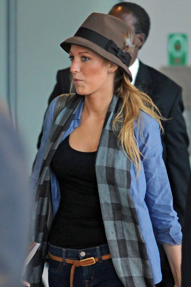 Charming seductress Blake Lively ...  High-class Lady...   She starred as Ophelia -O- Sage in Savages (2012)