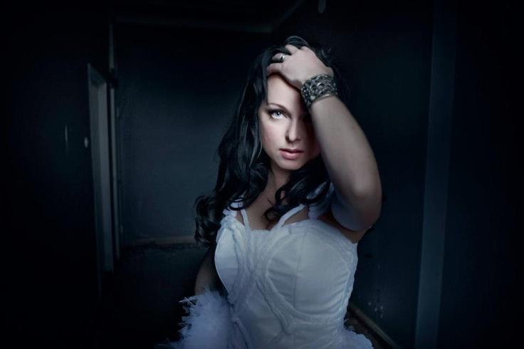Dark Sarah (Heidi Parviainen)
