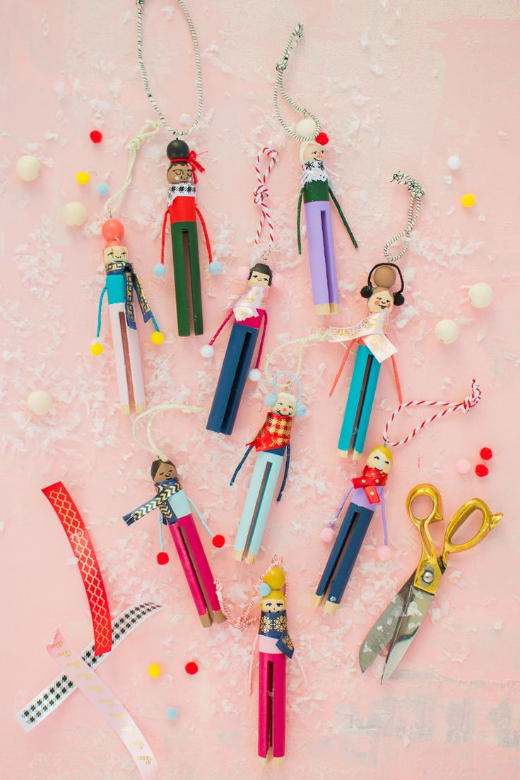 Clothespin People Ornaments / House Lars Built