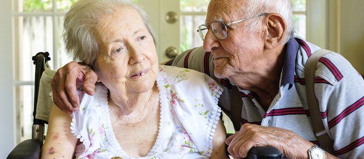 """Um estudo publicado na revista """"PLOS Biology"""" identificou uma enzima que poderá ajudar a proteger contra os efeitos nocivos de determinadas doenças degenerativas, incluindo a doença de Alzheimer."""