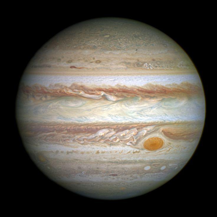 Júpiter e a sua Grande Mancha Vermelha em destaque, fotografado em 15 de Maio de 2014.