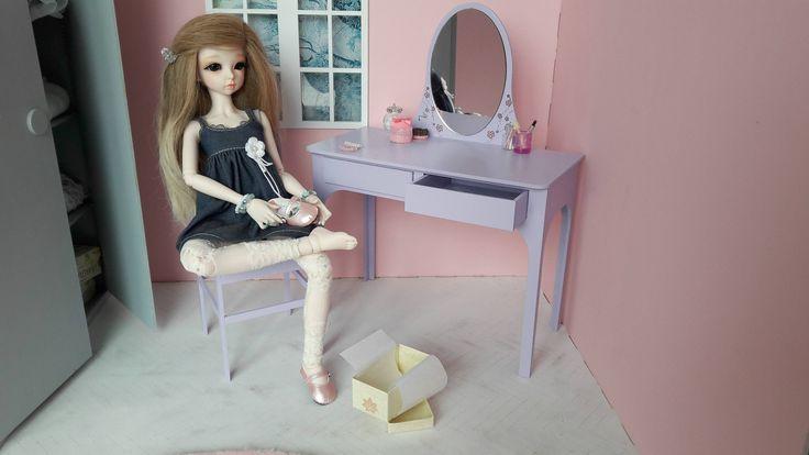 coiffeuse et chaise accessoire diorama 1/4 pour poupées BJD minifée MSD, ellowynn wilde, tonner ou autres de même tailles de la boutique SunnyShop211 sur Etsy