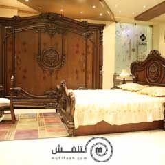 غرفة نوم كلاسيك خشب بني عليها خصم 15% من المطاوع للأثاث