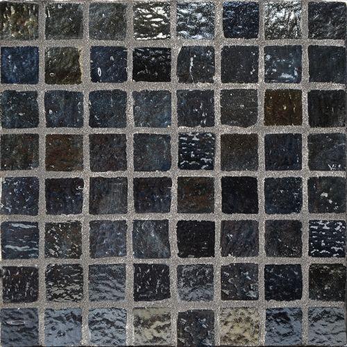 Loft Cobre - Iridescent black glass mosaic tile. Chip size 1.6x1.6cm.