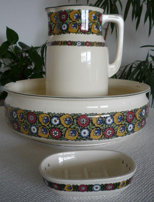 337 best images about antique bowl pitchers foot baths on pinterest pottery water jugs. Black Bedroom Furniture Sets. Home Design Ideas