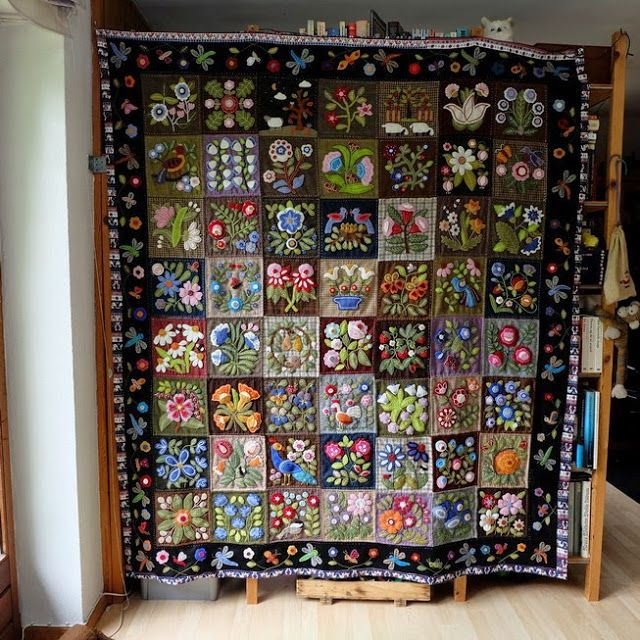 susis quilts version of the Caswell Carpet done in wool
