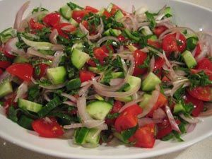 Salata Tarifi - Resimli-Kolay-Pratik Yemek Tarifleri