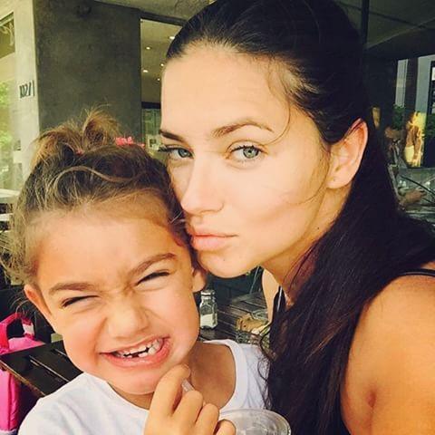 ADRIANA LIMA & DAUGHTER VALENTINA