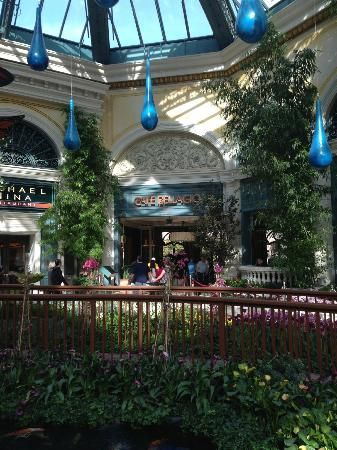 My favorite late night post-concert/show/night club spot. Also great for breakfast or lunch. Cafe Bellagio - Las Vegas - Restaurant Reviews - TripAdvisor #MyTripAdvice