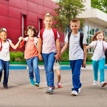 Qué dice la forma de caminar de los niños de su personalidad.