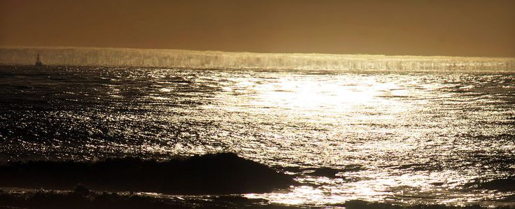 Fata Morgana of sea surface and sun glitter - Fata Morgana (mirage) - Wikipedia, the free encyclopedia