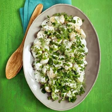 Πατατοσαλάτα με ξυνόγαλα και μυρωδικά - Συνταγές - Tlife.gr