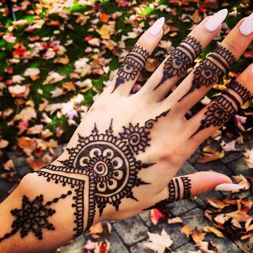 cool, culture, girls, hand, henna, india, nails, pretty, tattoed, tattoo, tattos, first set on favim