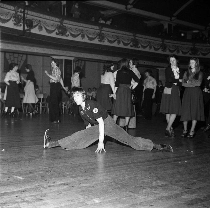 Dancers at Wigan Casino