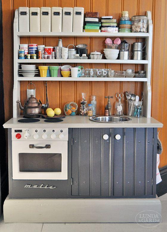 L U N D A G Å R D | inredning, familjeliv, byggnadsvård, lantliv, vintage, färg & form: Lisas kök
