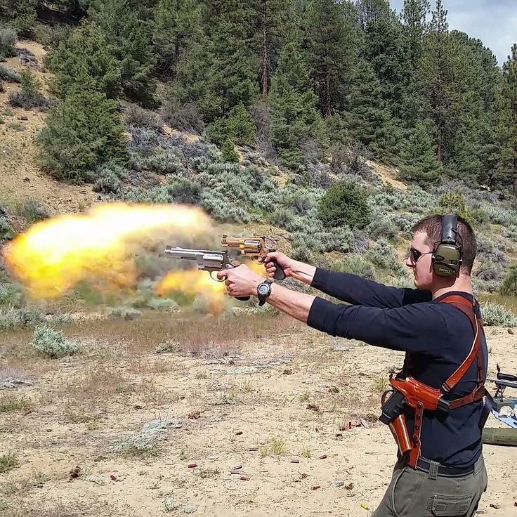 My brother dual wielding a S&W 460 and S&W 500. That's pretty cool to see and it throws a nice fireball. #SmithAndWesson #460 #500 #galco #hornady #gun #revolvers #pistols #handguns #shooting #shootingday #firearms #magnum #guns #revolver #pistol #handgun #damn #powerful #fireball #power #caution #leatherholster @wolfdiamond93 by scdiamond91