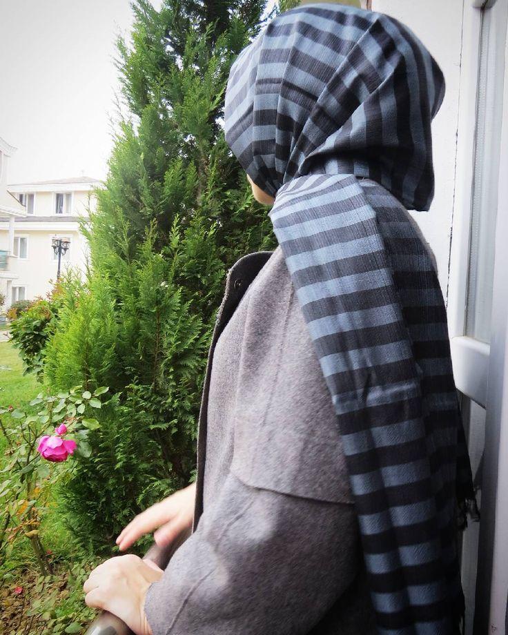 Yeni çizgili #frezzia ipek şal. Tabi ki el dokuması, geleneksel usül  #sal #esarp #hijab #silkshawl #eldokuma #kisiyeozel #ozeltasarim #frezzia #instafashion #lila #gri #mavi #shawl #pembe #sallar #tesettur #ipeksal #frezziahijab #frezzia_hijab #çiftrenklişal #basortusu #şifon #şal #multişifon #şifonipek #handpainted #handmade #hautecouture #fashion #silk