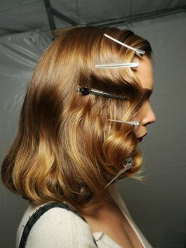 How to Create a 1940s Hairstyle - If you are a fan of vintage clothing and chic retro hairstyles, you surely would like to know how to create a 1940s hairstyle to complete your look. Retro hairstyles have made a huge comeback in nowadays hair trends offering some extremely feminine, glamorous looks that speak about creativity and originality. Get inspired by the era's major icons and Hollywood legends like Lauren Bacall and Veronica for a glamorous 40s hairstyle!