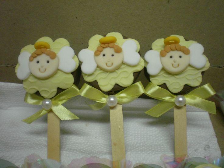 Pão de mel no palito batizado anjos