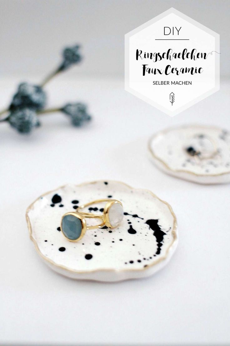 Beautifully filed: ring bowls with gold rim