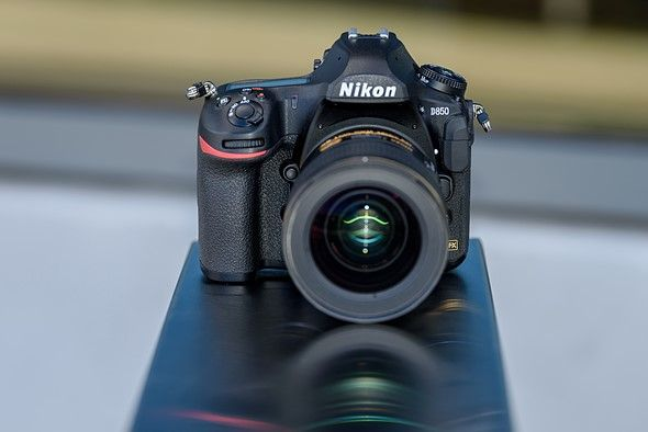 Nikon Claimed The 1 Spot In The Full Frame Camera Market For December 2017 Nikon Says The Full Frame Camera Point And Shoot Camera Digital Photography Review
