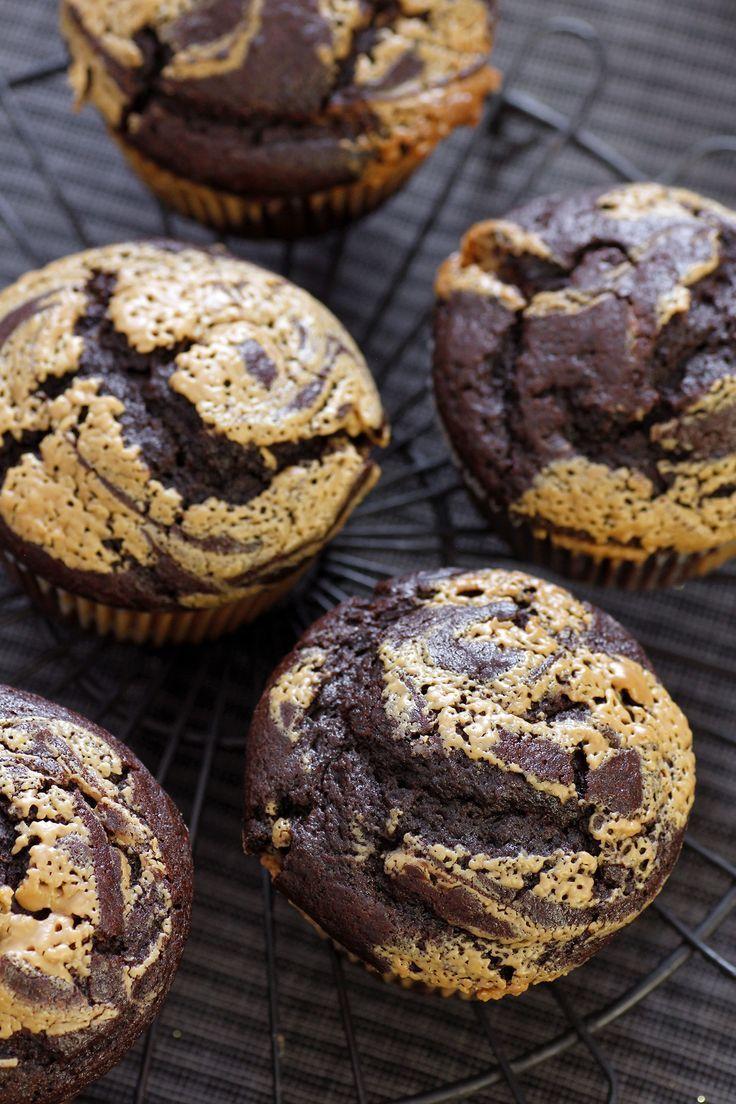 Peanut Butter Chocolate Muffins Opskrift Madopskrifter Dessert Og Sunde Desserter