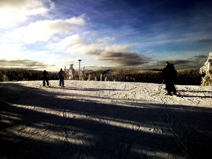 Wundervolle Aussichten vom Tahko Ski Center