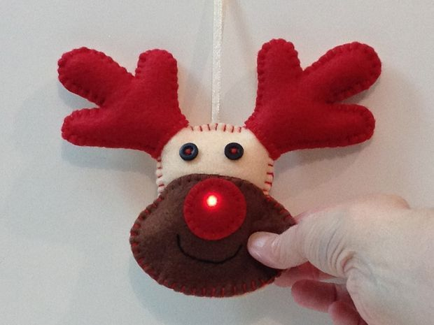 E-Textile Rudolph Christmas Decoration #holiday #sewing #LED #reindeer #soft_circuits via http://coolstuff4vip.com