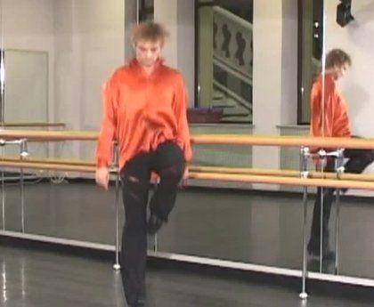 """Телепередача поможет Вам освоить базовые элементы ирландского танца. В уроке используется стилизованная хореография ирландского танца, построенная по принципу """"от простого к сложному"""" и может быть освоена даже новичком.<br><br>Программу ведет Алексей Поротиков – хореограф танцевальной студии сети оздоровительных клубов «Планета Фитнес»."""
