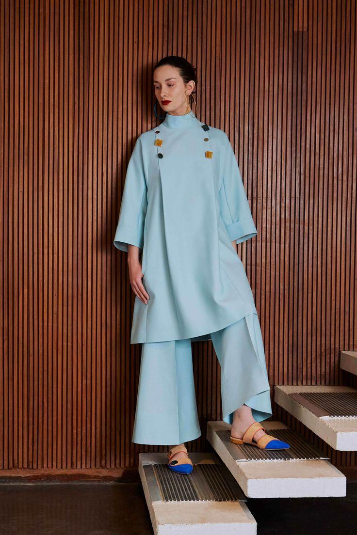 Roksanda Pre-Fall 2017 Collection Photos - Vogue