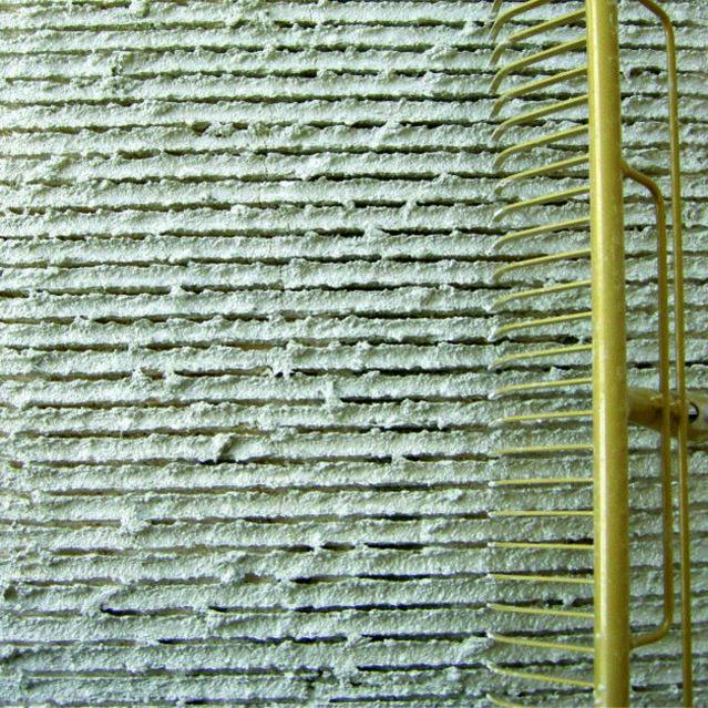 Modellierputz Mineral 1.2 mm Grasrechen - Fassadensysteme, Wärmedämmsysteme, hinterlüftete Fassade, Natursteinfassade
