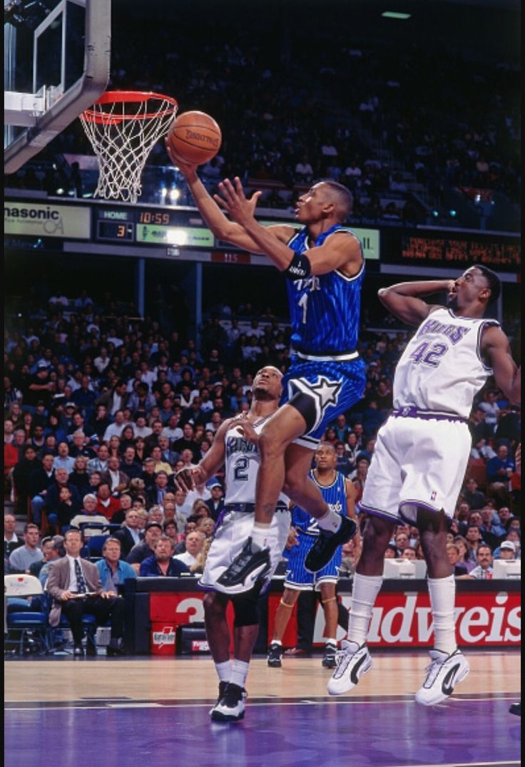 Penny Hardaway with the smooth layup.