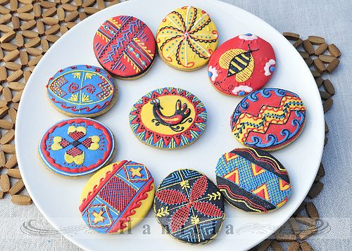 Immensely pretty, creative Ukrainian Easter Egg Cookies.