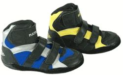 Youth wrestling shoe comes in size 11 $32