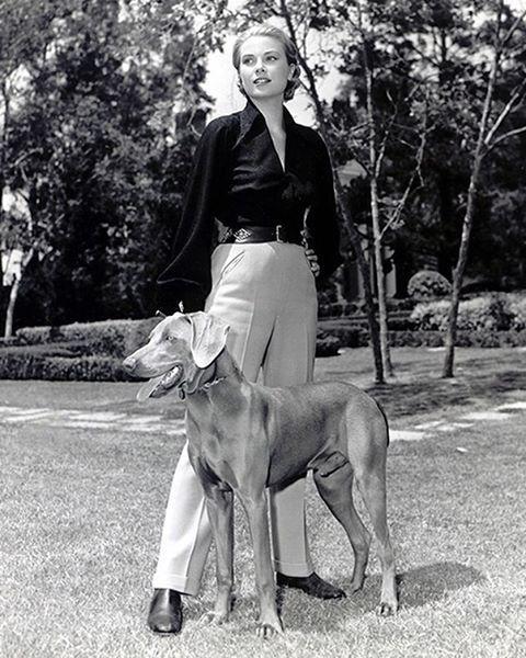 Celebrate Grace Kelly's birthday with her best looks. Read more on Vogue.ru./ В день рождения Грейс Келли изучайте лучшие наряды принцессы на Vogue.ru (по ссылке в профиле).