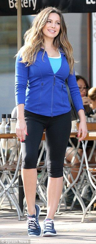 Kelly Brook is decked out in lycra for new Skechers trainer line | Daily Mail Online