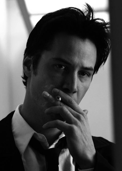 I don't like smokers but he's one of the few exception who I really find cool with cigarettes and I'm talking about still photos because I still don't like smokes...