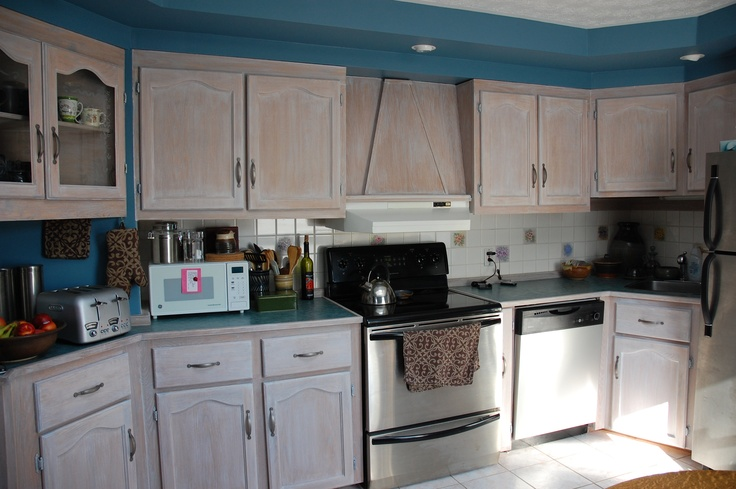 The gallery for white washed oak cabinets - Whitewashed oak cabinets ...