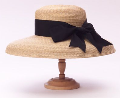 I love this hat, you can change the ribbon to suit your mood
